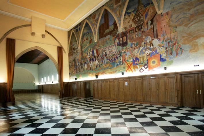 Salle arrière, côté mur, aux Catherinettes