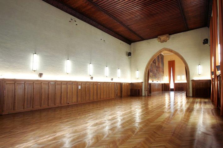 Salle avant, côté mur, aux Catherinettes